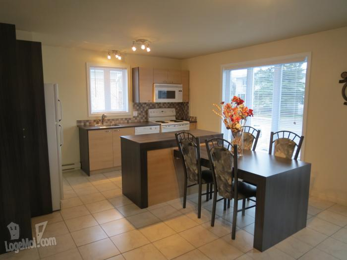 Appartement louer 6 3 cac chicoutimi for Meuble chicoutimi
