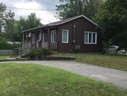 Maison à Louer - Bois-des-Filion - Québec
